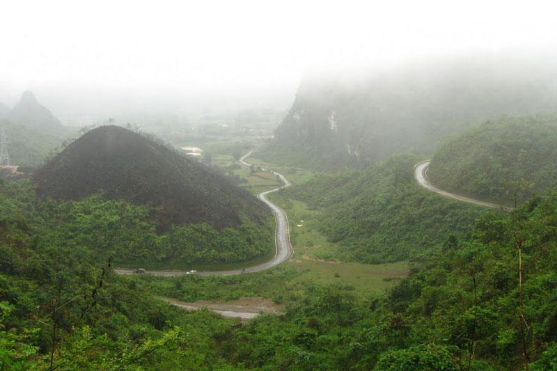Đèo Khau Liêu (đèo Liêu) là con đèo nối nối huyện Quảng Uyên và Trùng Khánh (Cao Bằng). Ảnh: Đất Nước Tôi.