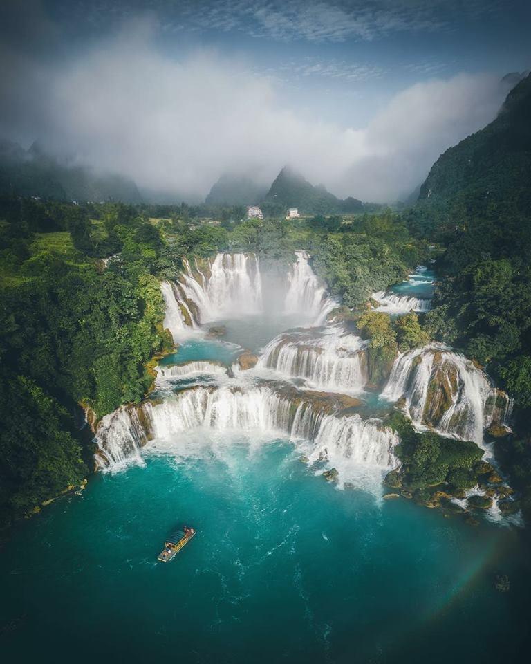 Thuộc xã Đàm Thủy, huyện Trùng Khánh, tỉnh Cao Bằng, Bản Giốc là thác nước tự nhiên nằm trên đường biên giới Việt Nam - Trung Quốc. (Ảnh: Cuma Cevik Photography)