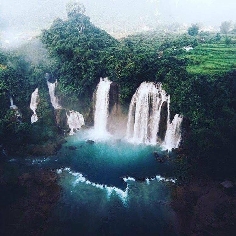Phải tận mắt chiêm ngưỡng dòng thác xoáy theo từng con nước này mới thực sự cảm nhận được sự hùng vĩ của con thác này. (Ảnh: danmaniel)