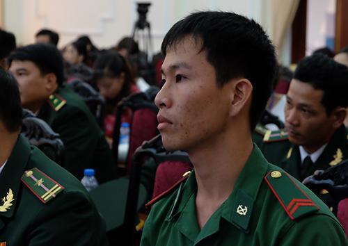 Binh nhất Huỳnh Hoàng Tam, đồn biên phòng Tuyên Bình, Long An. Ảnh: Quỳnh Trang.
