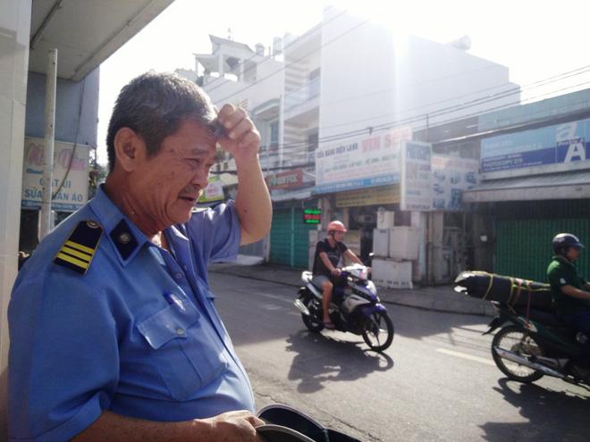 Ông Minh bất ngờ trước hành động của Giang.