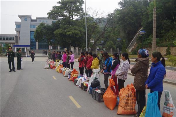 Biên phòng Cao Bằng tiếp nhận 20 công dân. Ảnh: BP Cao Bằng.