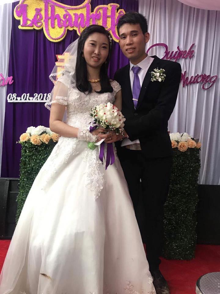 Chú rể Vy Duy Nhàn (SN 1991) và cô dâu  Nguyễn Quỳnh Phương (SN 1995) (Ảnh NVCC).