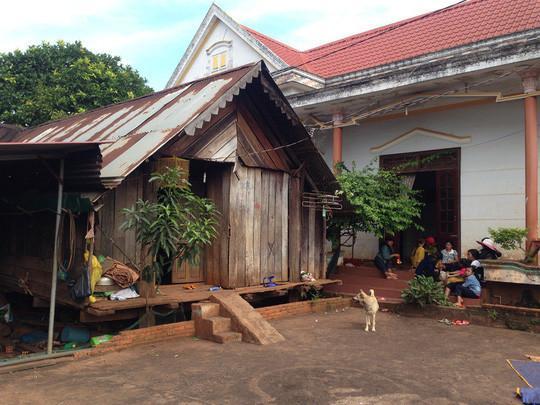 Ngôi nhà đơn sơ của gia đình hoa hậu ở Đắk Lắk