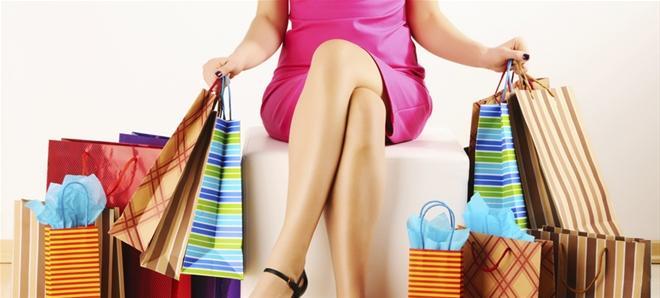 Đừng tự hào mình là tín đồ mua sắm nếu bạn đang mua sắm bằng những đồng tiền vay mượn - Ảnh minh họa: Internet