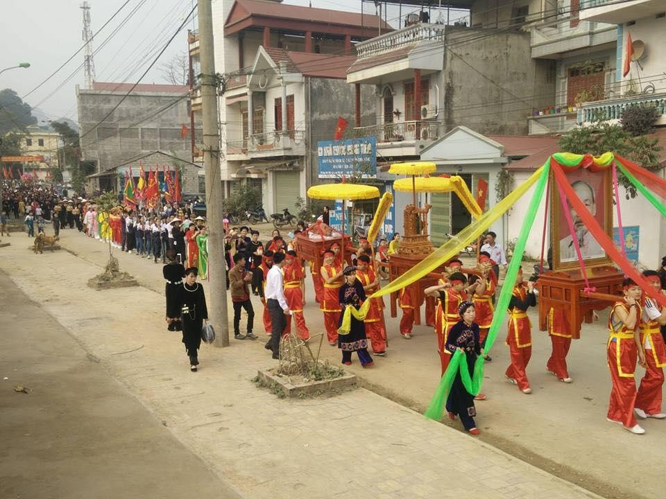 Hội Co Sầu diễn ra với nhiều hoạt động đặc sắc, đề cao tinh thần uống nước nhớ nguồn của dân tộc.