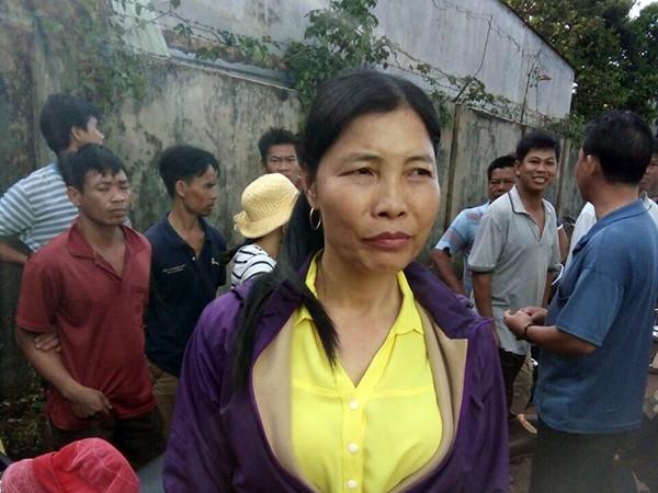 Bà Xuyến thời điểm bị người dân bắt giữ.