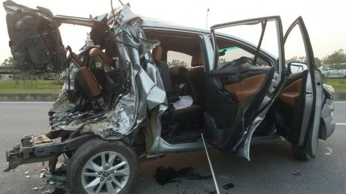 Chiếc xe ô tô bị biến dạng sau vụ tai nạn