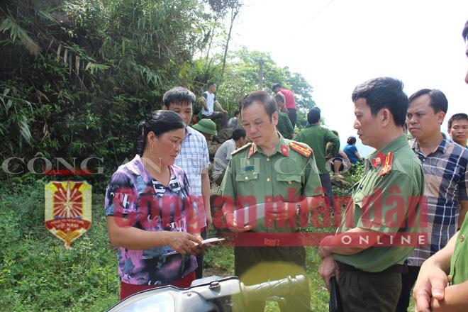 Ban Giám đốc Công an tỉnh Cao Bằng thăm hỏi gia đình người bị nạn