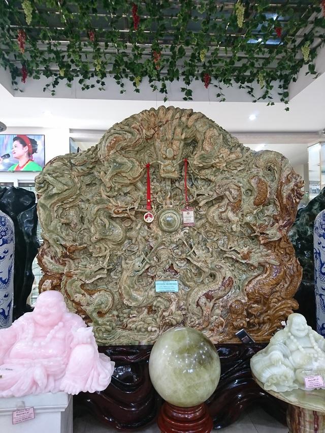 Cận cảnh bức tranh ngọc của đại gia Thái Nguyên. Ảnh: Dân Trí