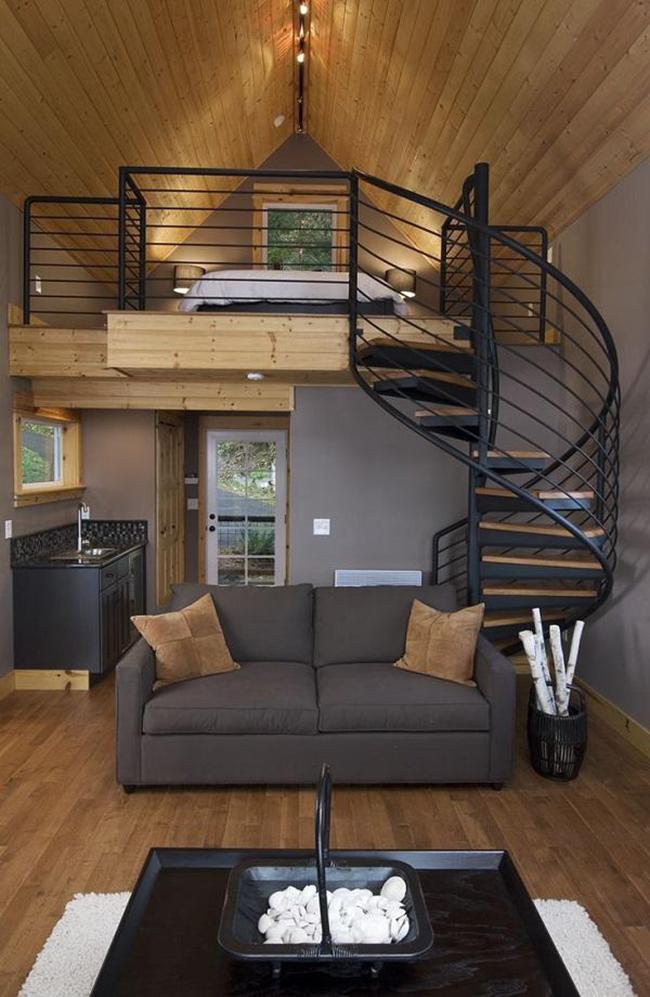 Căn nhà nhỏ không bớt đi vẻ hiện đại và sang trọng khi bố trí thêm thiết kế gác lửng phía trên.
