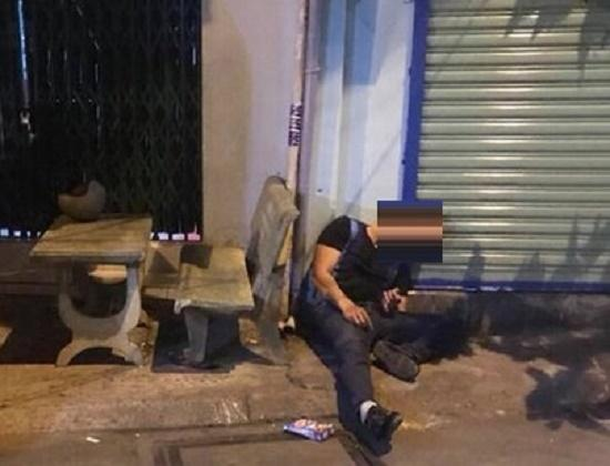 Sau nhiều tiếng súng nổ, anh Phong gục tại chỗ. Ảnh: ANTĐ.