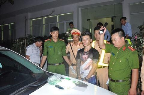 Lực lượng Công an tiến hành bắt giữ đối tượng và thu giữ tang vật vụ việc