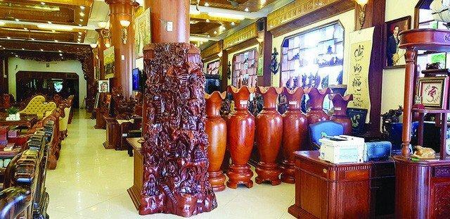 Bên trong một cơ sở sản xuất đồ gỗ ở Đồng Kỵ