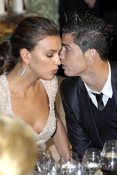 Năm 2010, Kim Kardashian bị bắt gặp có kỳ nghỉ đáng nhớ cùng Cristiano Ronaldo tại Madrid. Ngoài ra, cả hai cùng vui vẻ trong một hộp đêm và đi ăn với nhau nhiều lần. Tuy nhiên, chuyện tình của họ cũng không có một kết thúc trong mơ là một đám cưới lãng mạn.