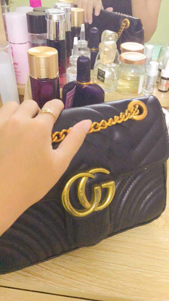 Cô gái đã nhận lại chiếc túi xách của mình và yêu cầu không để lộ danh tính. (Ảnh nhân vật cung cấp)