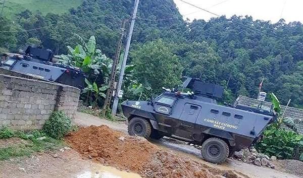 Lực lượng CSCĐ đã huy động 7 chiếc xe bọc thép vào trận đánh bắt giữ đối tượng buôn bán ma túy có lệnh truy nã
