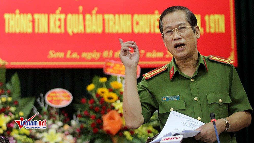 Đại tá Phùng Tiến Triển, Phó GĐ Công an tỉnh Sơn La thông tin tại cuộc họp báo
