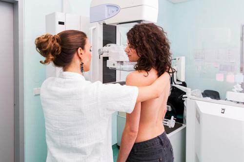 Chụp nhũ ảnh, một công cụ sàng lọc được sử dụng để phát hiện và chẩn đoán ung thư vú (Ảnh minh họa)