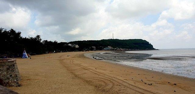 Bãi biển Đồ Sơn nhếch nhác, vắng tanh