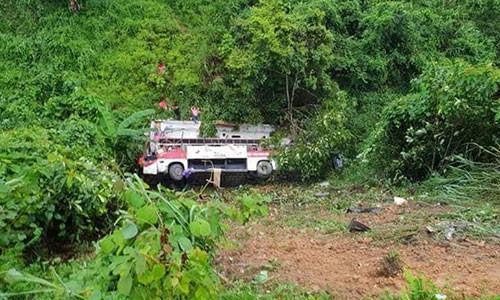 Hiện trường vụ tai nạn xe khách ở Cao Bằng.