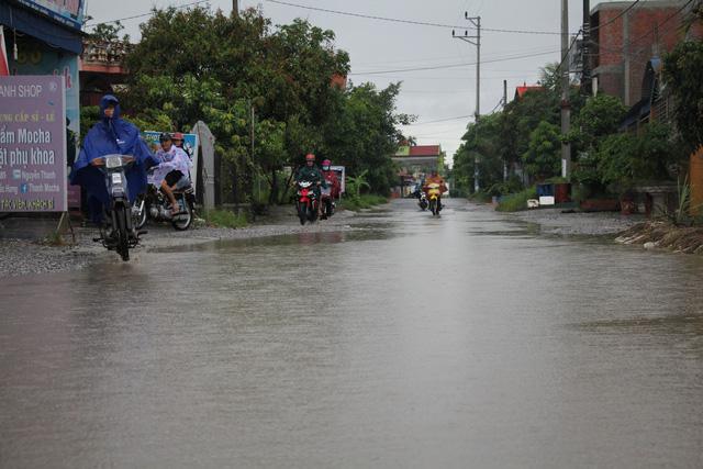 Trời mưa là tuyến đường ngập lụt.