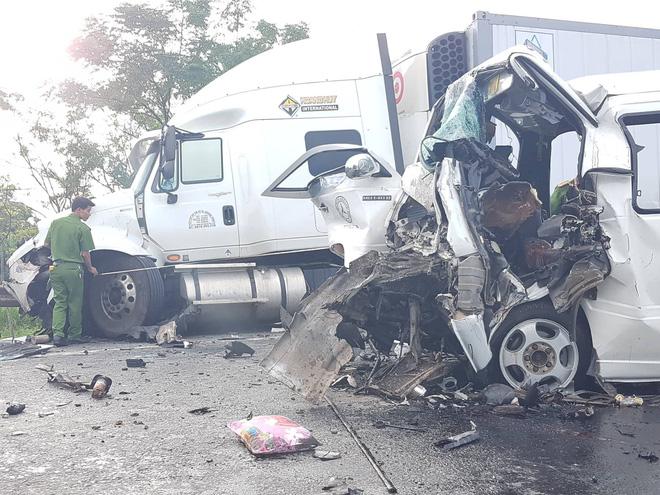 Hiện trường vụ tai nạn vào rạng sáng ngày 30/7.