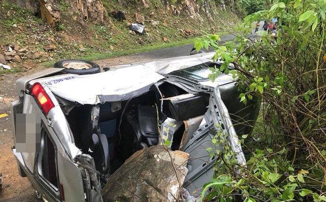 Chiếc xe khách gặp nạn