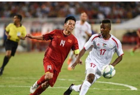 Đeo băng đội trưởng U23 Việt Nam, dù chưa để lại nhiều dấu ấn nhưng kinh nghiệm của Văn Quyết đã giúp ích rất nhiều cho cầu thủ trẻ khi không để đánh mất tinh thần khi bị dẫn trước.