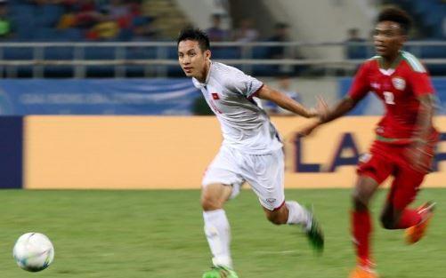 Lần thứ hai được đá chính, Hùng Dũng phần nào để lại những dấu ấn nhất định khi anh hỗ trợ tốt cho Xuân Trường trong khâu phòng ngự. Việc rút tiền vệ này ra sân cũng là một trong những lý do dẫn đến bàn thua của U23 Việt Nam.