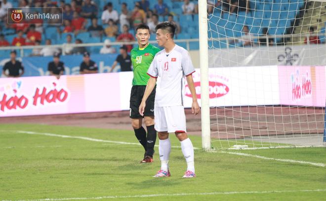 Đội trưởng U23 Việt Nam có một pha cứu thua xuất sắc trong hiệp 1, còn nhìn chung Tiến Dũng có một trận đấu rất nhẹ nhàng.