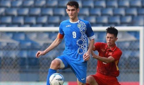 Cùng với Duy Mạnh, Đình Trọng vẫn thể hiện được sự chắc chắn, phán đoán tốt để ngăn chặn đường lên bóng của U23 Uzbekistan trước khung thành U23 Việt Nam. Anh đã chứng tỏ được vì sao mình luôn là sự lựa chọn của HLV Park Hang-seo.