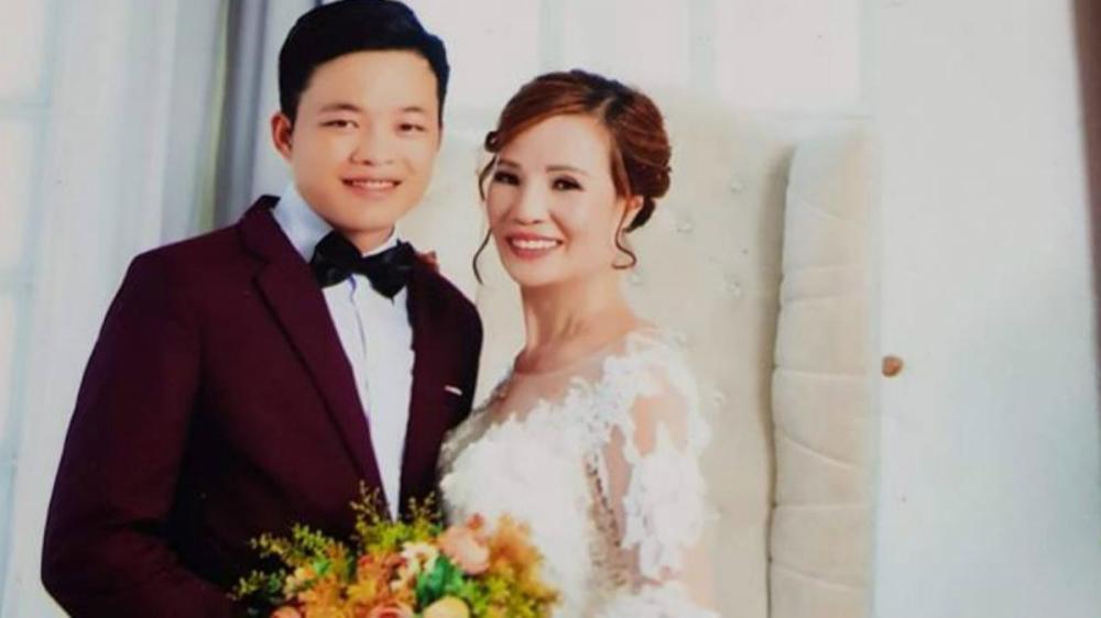 Anh Cương nói rằng, dù vợ có hơn nhiều tuổi nhưng vì tình yêu anh bất chấp dư luận.