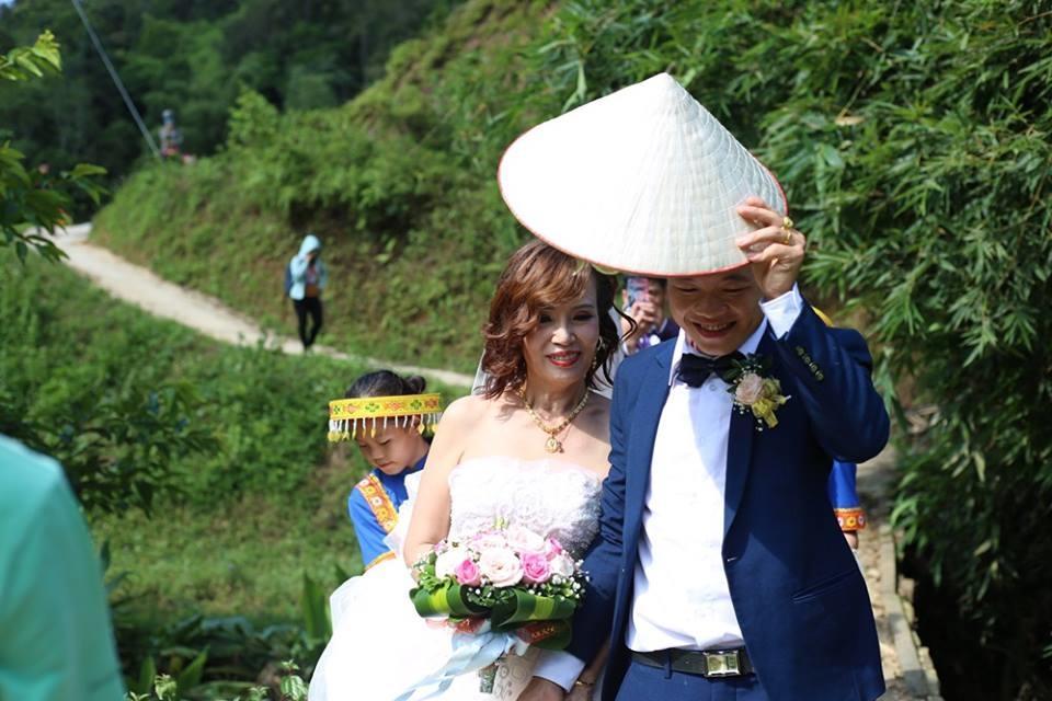 Chú rể Hoa Cương và Thu Sao đã tận hưởng trọn vẹn ngày hạnh phúc - Ảnh: Internet