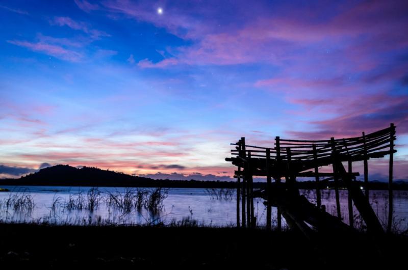 Hồ Ea Kao: Cách trung tâm thành phố Buôn Ma Thuột hơn 10 km, hồ là một công trình thủy lợi để giải quyết tưới tiêu cho cánh đồng Hòa Xuân ở gần thành phố.