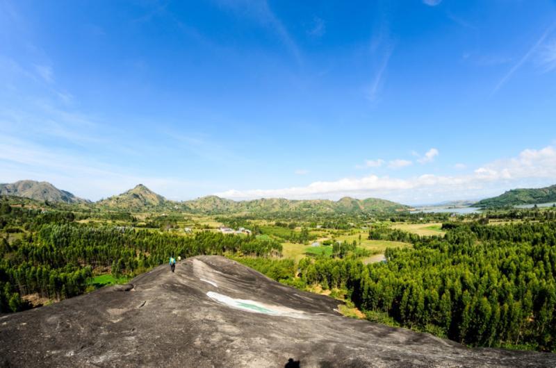 Núi đá Voi Mẹ: Đây là địa danh gắn liền với hình ảnh của vùng đất cao nguyên, khối đá nguyên khối lớn nhất Việt Nam, mang dáng dấp của một chú voi đang nằm.