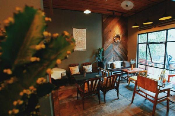 Quán café House of Lens là một trong các quán café ngon có tiếng ở Buôn Ma Thuột. (Nguồn: phuotbui.org)