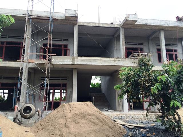 Trường THCS Cư Pui đang xây dựng thêm 6 phòng chức năng, 10 phòng nội trú cho học sinh...