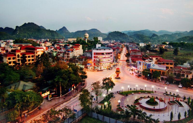 3. Sơn La. Diện tích: 14.174,4 km2.