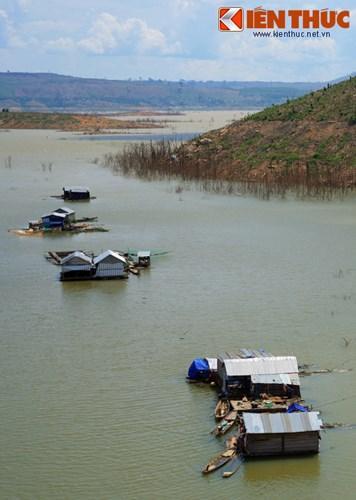 Một số hình ảnh khác của hồ Buôn Tua Srah.