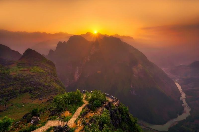 Cảnh núi non của Việt Nam (Ảnh: tpsdave / Pixabay)