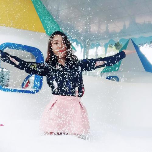 Tuyết bay như thật- Ảnh: FB Dương Ngọc Thu