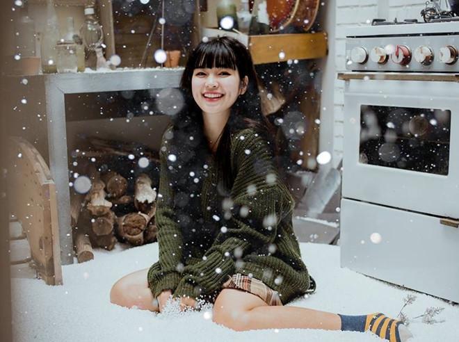 Đỗ Khánh Vân (22 tuổi) từng là sinh viên ngành Thiết kế Thời trang, trường Quốc tế ADS International Design Art Center. Cô đã tốt nghiệp đại học, có studio riêng.