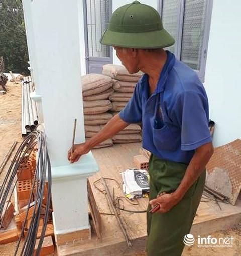 Ông Mỵ khẳng định cột trước hiên chỉ được thợ xây bỏ một cây thép 10 là không đúng