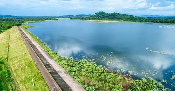 Hồ Ea Kao được xem là nơi có khung cảnh thiên nhiên thanh bình được nhiều người biết đến (Nguồn: bmt47.com)