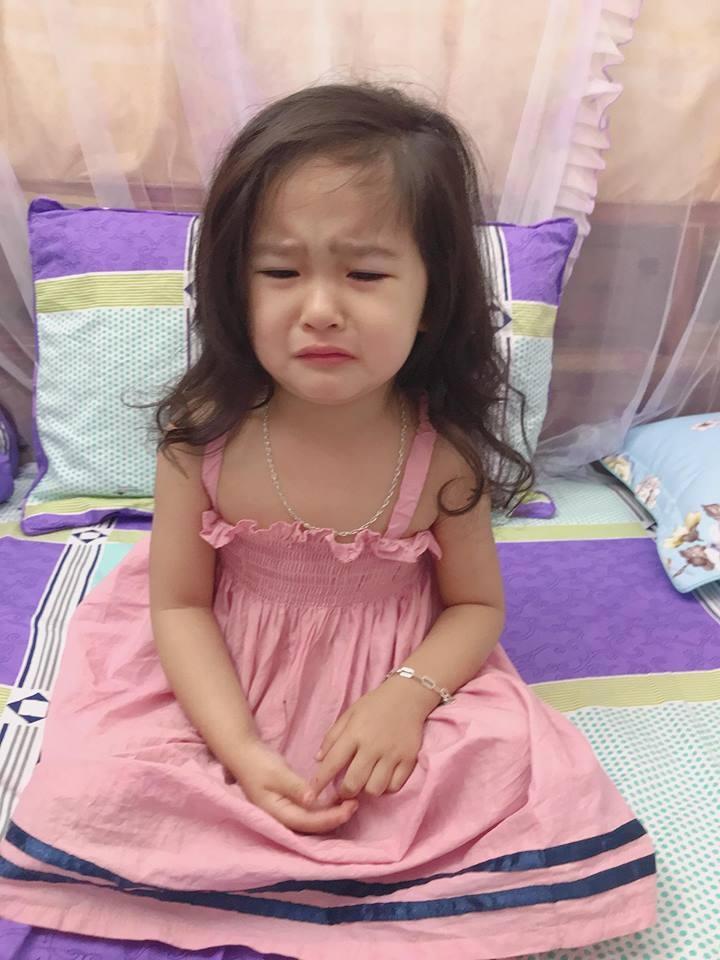 Ai cũng ước đẻ được cô con gái như bé Trâm Anh.