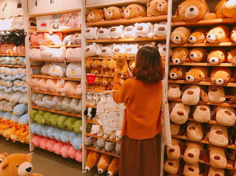 Thiên đường gấu bông mới xuất hiện ở Buôn Ma Thuột được nhiều người nhắc đến đó chính là cửa hàng tiện lợi Miniso.