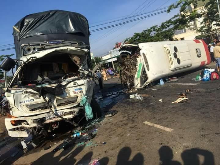 Hiện trường vụ tai nạn khiến 11 người th.ư.ơ.n.g v.o.n.g