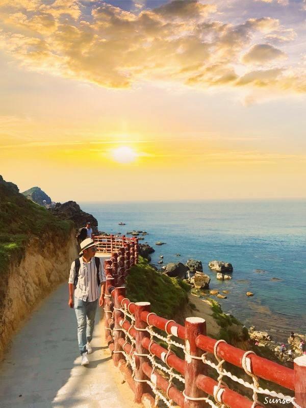Anh Vũ check-in tại một trong những địa điểm nổi tiếng bậc nhất ở Quy Nhơn - Eo Gió.