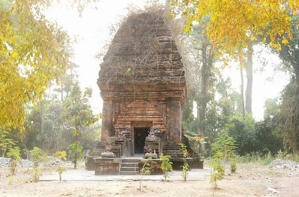 Tháp Chăm Yang Prong.